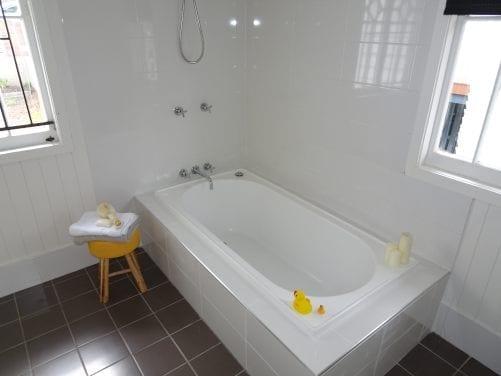 Improper shower-bath installation