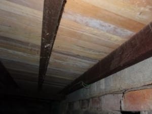 Insufficient ventilation causing mould and dry-rot