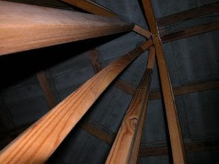 Inadequate roof truss support