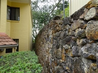 Retaining wall defect