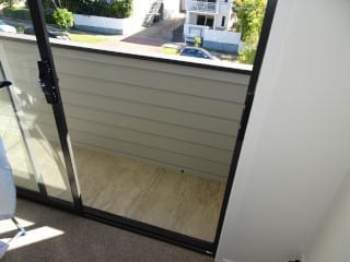 Balcony faults new unit-Corinda