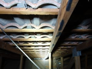 Bowing of roof trusses-Danger 1