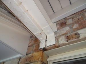 Danger of balcony collapse